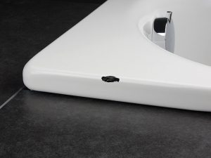 Ремонт трещины акриловой ванны